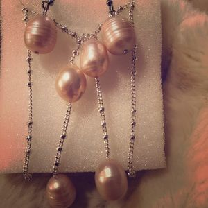 South Sea freshwater pearls earrings & lariat set